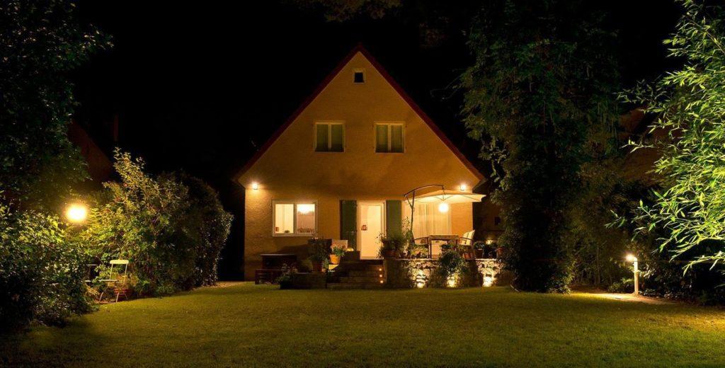 Расположение светильников на даче.
