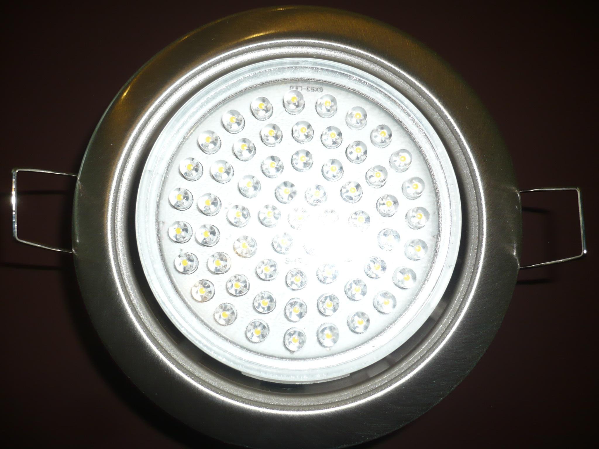 svetilniki-potolkov-natyazhnyh